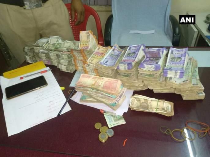 11 lakh 85 thousand cash seized from Sion area | सायन परिसरातून ११ लाख ८५ हजारांची रोकड जप्त