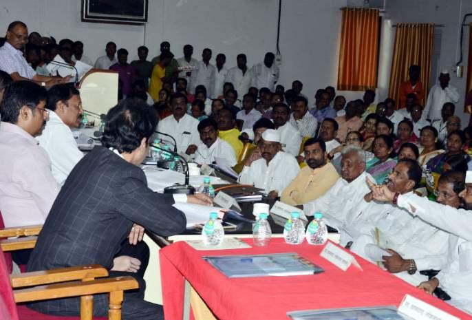 Solapur District Planning Committee meeting held between Guardian Minister, Bharat Bhaleke | सोलापूर जिल्हा नियोजन समितीच्या बैठकीत पालकमंत्री, भारत भालके यांच्यात खडाजंगी