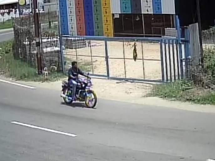 After Stealing Bike to Go Home, TN Man Returns it Via Courier svg | लॉकडाऊनमध्ये घरी जाण्यासाठी त्यानं चोरली बाईक; त्यानंतर जे केलं ते भारीच होतं!