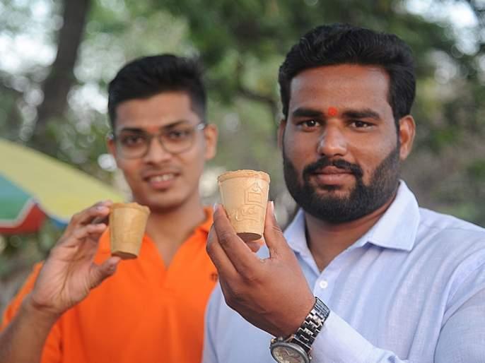 Now eat a cup after drinking tea, making biscuit cup in Kolhapur | काय सांगता! आता चहा पिऊन झाल्यावर कप बिनधास्त खा, कोल्हापुरात बिस्किट कपची निर्मिती