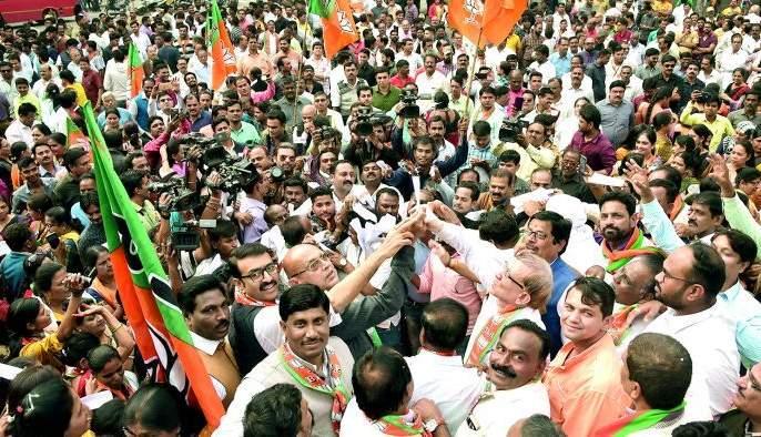 BJP burn GR in Nagpur | नागपुरात भाजपाने केली जीआरची होळी
