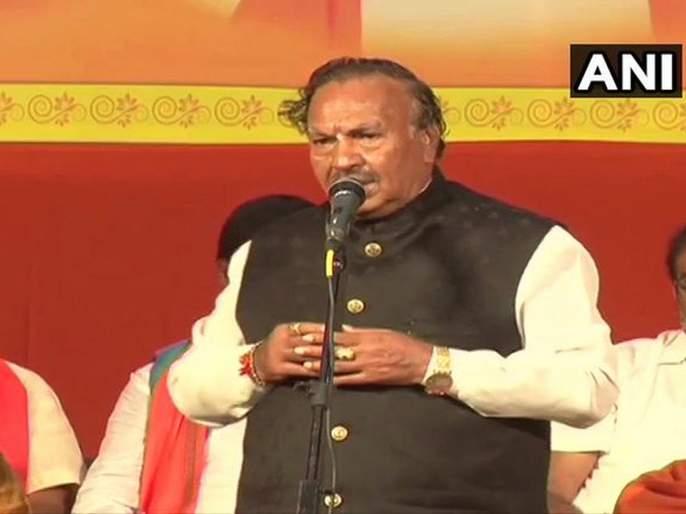 Patriotic Muslims will vote in favour of BJP - KS Eshwarappa | देशभक्त मुस्लिम भाजपाला मत देतील आणि पाकिस्तानधार्जिणे कचरतील, भाजपा नेते बरळले