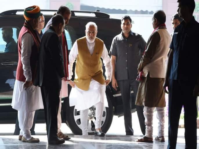 BJP politicians Suspicion expressed on the numbers increased in exit poll | एक्झिट पोलवरुन भाजपा नेत्यांमध्येच कुजबूज; वाढलेल्या आकड्यांवर व्यक्त केला संशय