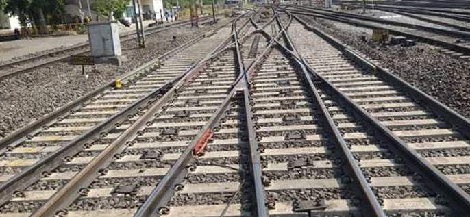 A two-and-a-half-hour block on Wednesday near Bhusawal; Mumbai-Howrah, Ahmedabad-Howrah trains will be affected   भूसावळजवळ बुधवारीअडीच तासांचा ब्लॉक;मुंबई-हावडा, अहमदाबाद-हावडा गाड्यांवर होणार परिणाम