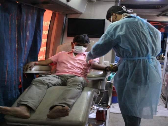 Honor of Raj Rajeshwari Pratishthan on appeal of Government; Citizens' spontaneous response to blood donation | सरकारच्या आवाहनाला राज राजेश्वरी प्रतिष्ठानचा मान; रक्तदानाला नागरिकांचा उत्स्फूर्त प्रतिसाद