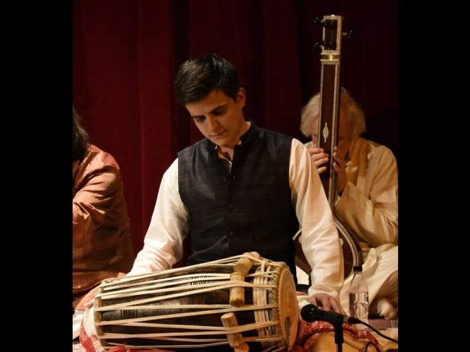 In the world of foreign seekers who sell their lives for classical Indian music.. The memories of Hungarian Pakhawaj Player Balázs Virágh.. | बोलाझ- अभिजात भारतीय संगीतासाठी  जीव वेचणार्‍या  परदेशी साधकांच्या दुनियेत