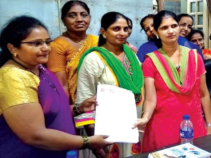Contribution given to the Sangli Library | सांगलीच्या वाचनालयाला दिली ग्रंथभेट; वाचकांनी केली मदत