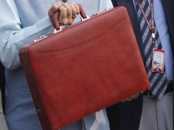 Budget 2019: Why do finance ministers carry a briefcase while presenting a budget? | Budget 2019: ... म्हणून अर्थसंकल्प लाल सूटकेसमधूनच संसदेत आणला जातो!