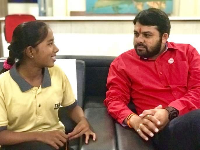 Social commitment made by Ravikant Tupkar's action | राजकारणाला दातृत्वाची अशीही जोड; तुपकरांनी कृतीतून जोपासली सामाजिक बांधीलकी