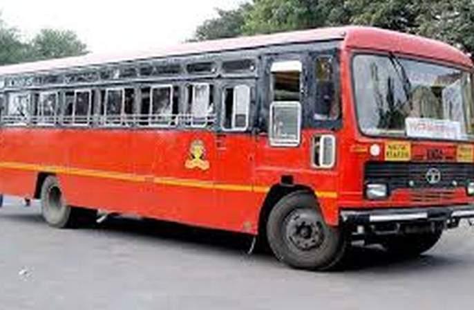 Buses in bad condition: chances of an accident | नादुरुस्त स्थितीत धावताहेत बसगाड्या :अपघाताची शक्यता
