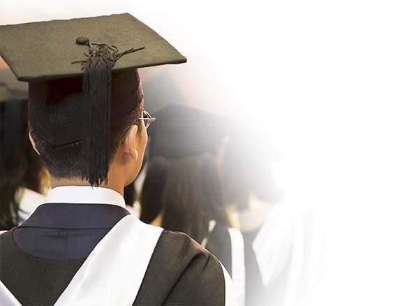 No more black robes, Mumbai University! | मुंबई विद्यापीठाच्या पदवीदान सोहळा 'ट्रॅडिशनल' होणार!