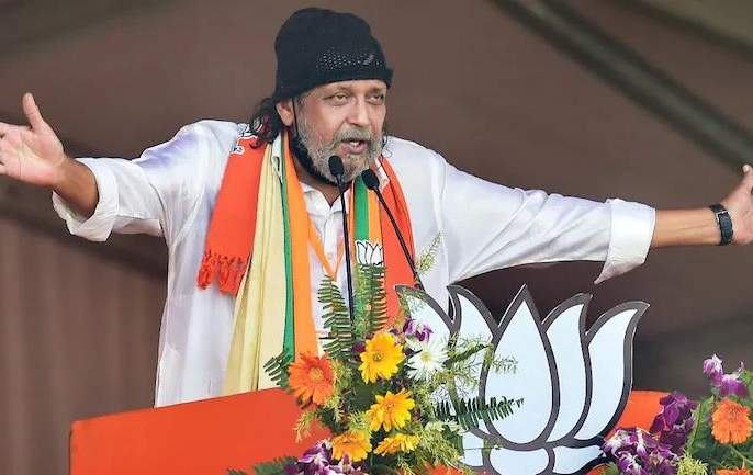The political journey of Bengali cinema is also amusing; Now turn to Trinamool and BJP | बंगाली चित्रपटसृष्टीचा राजकीय प्रवासही गंमतीदार; आता तृणमूल व भाजपकडे कल