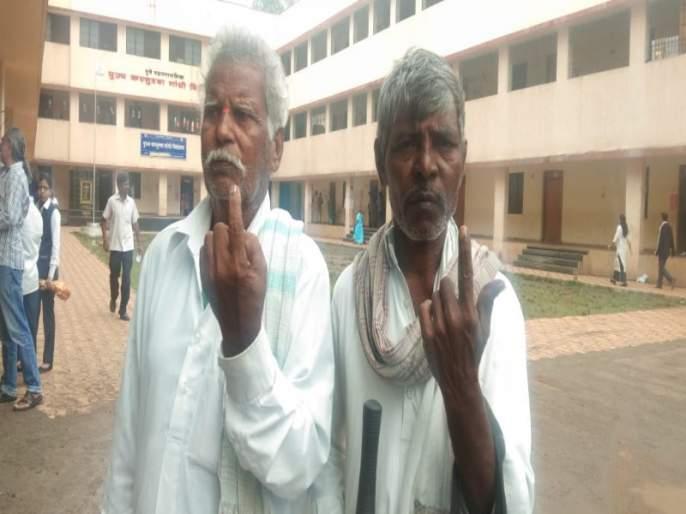 Maharashtra Election 2019 : Slow voting is time to beginning and end in the cantonment | महाराष्ट्र निवडणूक २०१९ : कॅन्टोन्मेंटमधील मतदानाची सुरुवात अन शेवट कासवगतीनेच