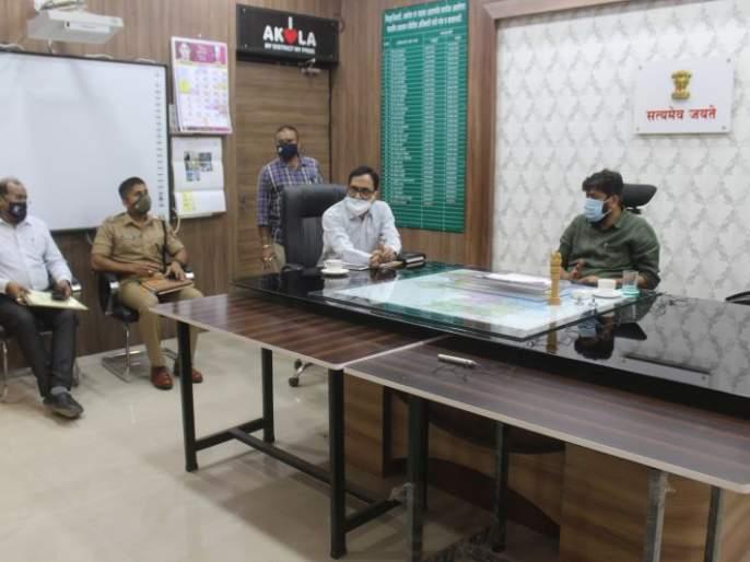 Citizens should stay at home during curfue - Bachchu Kadu | संचार बंदीच्या काळात नागरिकांनी घरातच राहावे - बच्चू कडू