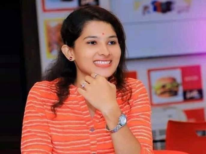 Give Pooja Chavan a laptop; Notice to Dhanraj Ghogre | पूजा चव्हाणचा लॅपटाॅप द्या; धनराज घोगरे यांना नोटीस