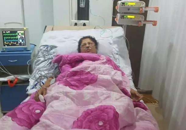 Former MLA Jyoti Kalani, Aryan Lady of Ulhasnagar, died of a heart attack | उल्हासनगरच्या आयर्न लेडी माजी आमदार ज्योती कलानी यांचे हृदयविकाराच्या झटक्याने निधन