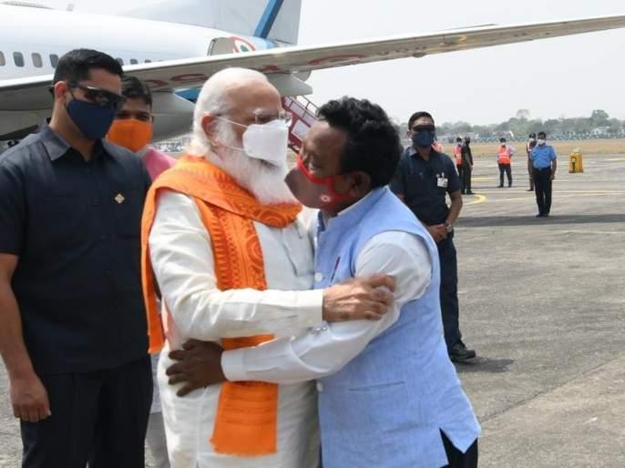 West Bengal Assembly Elections 2021 : Find out who is Karimul Haq who gave magic to Modi at the airport in west bengal | West Bengal Assembly Elections 2021 : मोदींना विमानतळावरच 'जादू की झप्पी' देणारे करीमुल हक कोण?, घ्या जाणून