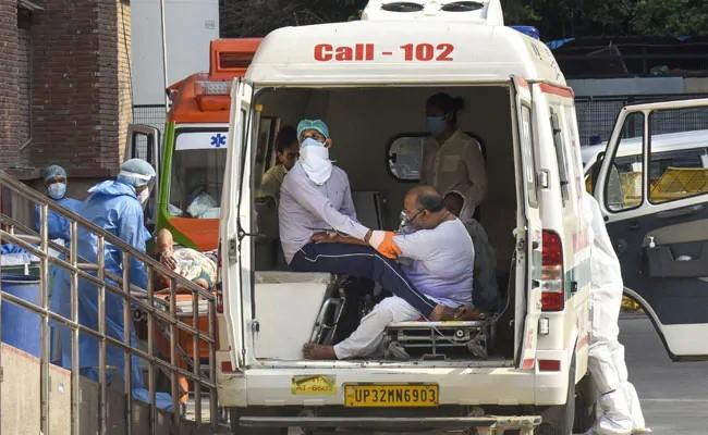 Alarming rise in death toll in Thane district; An increase of 5441 patients with 52 deaths | ठाणे जिल्ह्यातील मृतांच्या संख्येत चिंताजनक वाढ; ५२ मृतांसह ५,४४१ रूग्ण वाढले