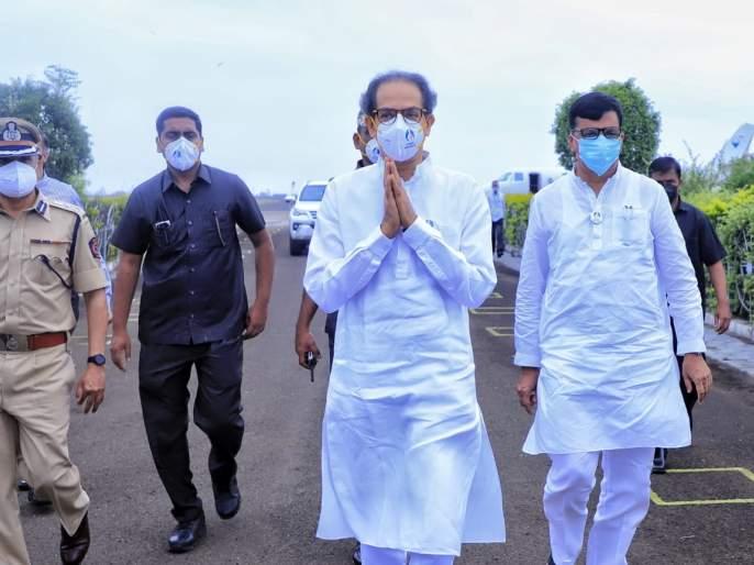 In the tour dispute ... the villagers were called across the bridge to meet the Chief Minister uddhav thackarey, the villagers got angry | मुख्यमंत्री उद्धव ठाकरेंच्या दौऱ्यात वाद; गावकऱ्यांना पूल पार करुन यायला सांगितल्यानं नाराजी अन् संताप