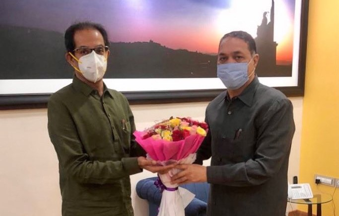 Home Minister : Waze pe discussion? Home Minister Dilip Walse Patil called on the Chief Minister uddhav thackeray   Home Minister : वाझे पे चर्चा? गृहमंत्री दिलीप वळसे पाटलांनी घेतली मुख्यमंत्र्यांची भेट