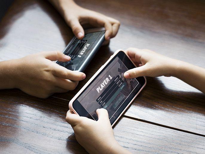Children play online games, parents loss Rs 11 lakh | मुलांनी खेळला ऑनलाइन गेम, अन् पालकांना ११ लाखांचा फटका