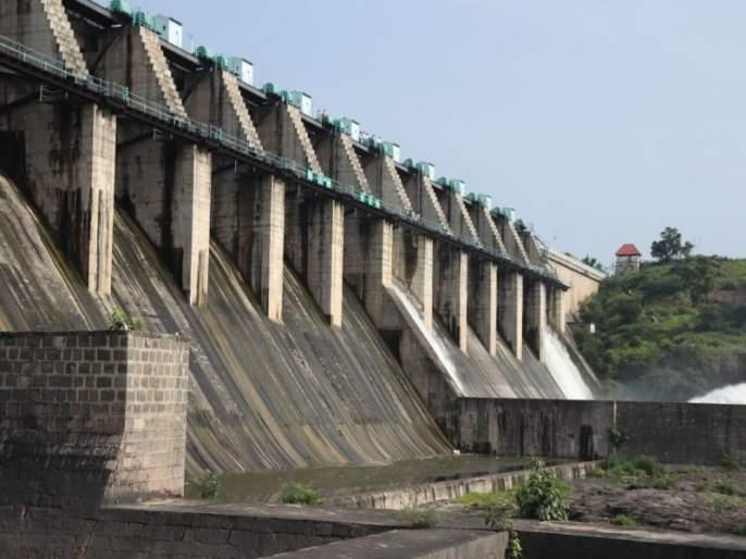 Centennial Opening of Golden Festival 'Giran Dam' | सुवर्ण महोत्सवी 'गिरणा धरणा'ची शतकी सलामी, ११ वषार्नंतर ओव्हरफ्लो