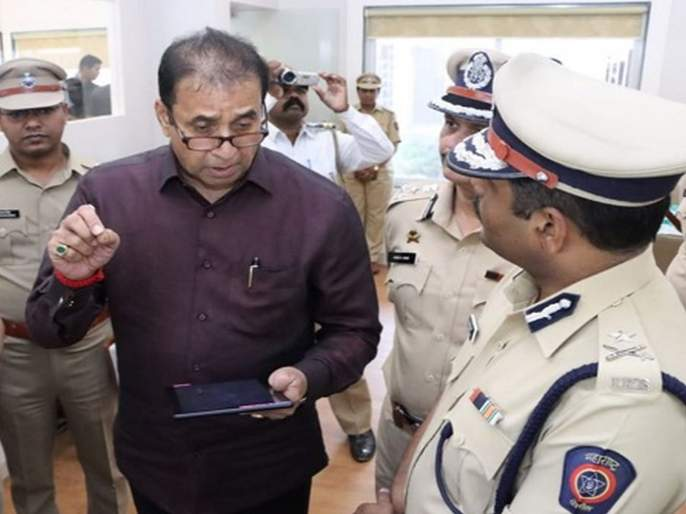 CoronaVirus Police Constable hassle With Anil Deshmukh; called him midnight hrb | CoronaVirus बुलडाण्याच्या हवालदाराचा चक्क गृहमंत्र्यांशी पंगा; मध्यरात्री झोपेतून उठवून हुज्जत!