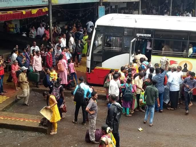 "coronavirus: MNS demands release of buses, special trains for those going to Konkan during Ganeshotsav | coronavirus: ""गणेशोत्सवात कोकणात जाणाऱ्यांसाठी बस, विशेष रेल्वे सोडा"" मनसेची मागणी"