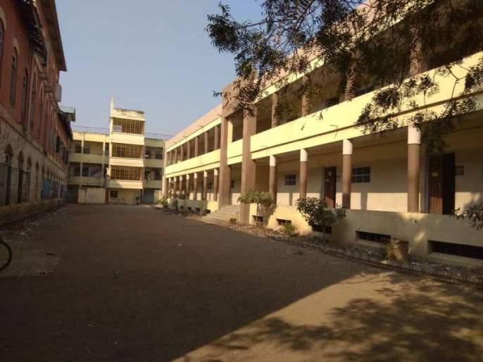 Maharashtra shutdown: Protest in chalisgoan | महाराष्ट्र बंद : चाळीसगावात 'बंद'मुळे शाळांमध्ये शुकशुकाट, बसफे-याही रद्द