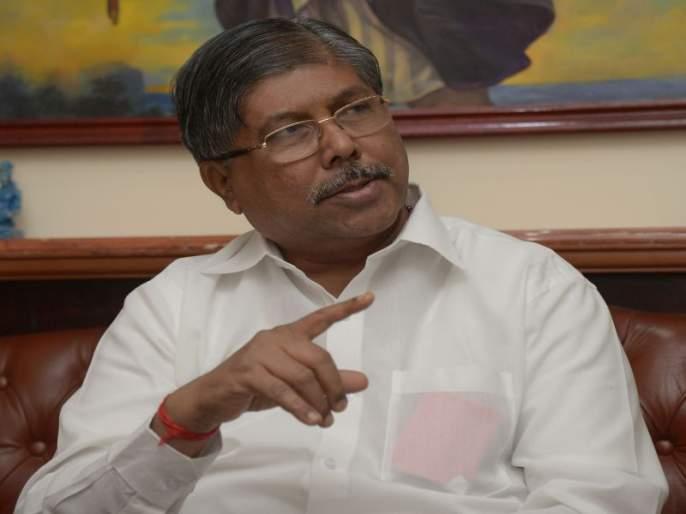 Chandrakant Patil's comment on Vishwajeet Kadam and Hasan Mushrif   मी टोपी टाकली ती विश्वजितला बसली,चंद्रकांत पाटील यांचा टोला
