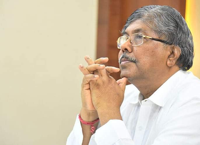 Chandrakantdada was ridiculed by social media   सोशल मीडियाने चंद्रकांतदादांची उडवली खिल्ली