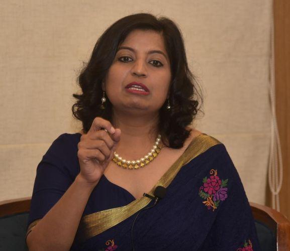 Books Desire to change the world : Dr. Neelima Chauhan | जग बदलण्याची इच्छा निर्माण करतात पुस्तके : डॉ. नीलिमा चौहान