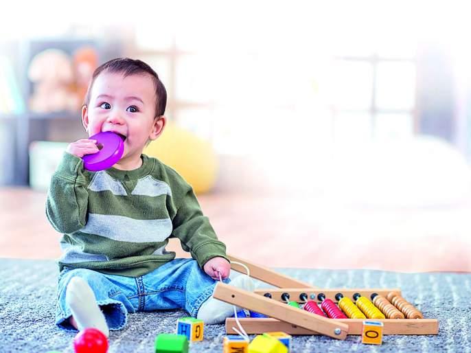 Why do young children put all things in their mouths? The reason is beyond starvation! | लहान मुलं सर्व वस्तू तोंडात का घालतात? भूकेच्यापलिकडे आहे याचं कारण!