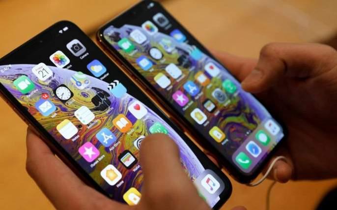 'China' mobile banished from the Akola market | अकोल्यातील बाजारपेठेतून 'चायना' मोबाइल हद्दपार!