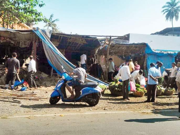 Action taken by Chiplun Nagar Parishad, breathed through breathing through streets due to 'removal of encroachment'   'अतिक्रमण हटाव'मुळे रस्त्यांनी घेतला मोकळा श्वास, चिपळूण नगर परिषदेकडून कारवाई