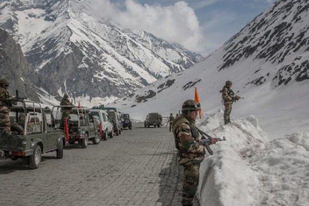 Indo-China talks on border tensions | लडाखमधील संघर्ष... सीमेवरील तणावावर भारत-चीनमध्ये चर्चा