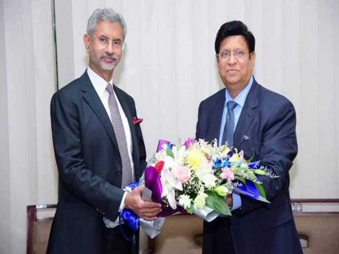 Bangladesh Asked India To Provide List Of Illegal Bangladeshis; Foreign Minister Momen's appeal to India | बांग्लादेशी घुसखोरांची यादी द्या त्यांना परत बोलावू; परराष्ट्रमंत्री मोमेन यांचं भारताला आवाहन