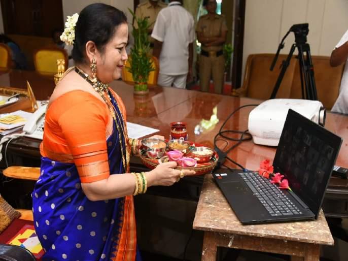 Diwali Celebration: Mumbai Mayor Kishori Pednekar celebrated online bhaubij Due to corona   कोरोनाच्या पार्श्वभूमीवर महापौर किशोरी पेडणेकर यांनी साजरी केली ऑनलाइन भाऊबीज