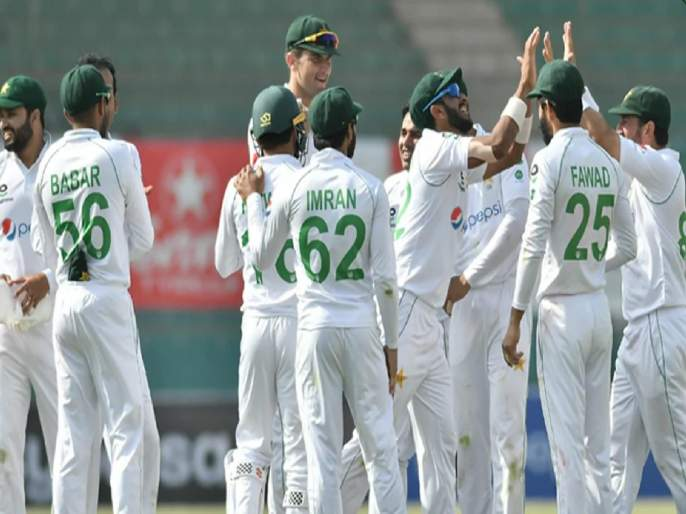 The. Pakistan's first day against Africa; They lost 4 wickets for 33 runs | द. आफ्रिकेविरुद्धपाकिस्तानची पहिल्याच दिवशी घसरगुंडी; ३३ धावांत ४ फलंदाज गमावले
