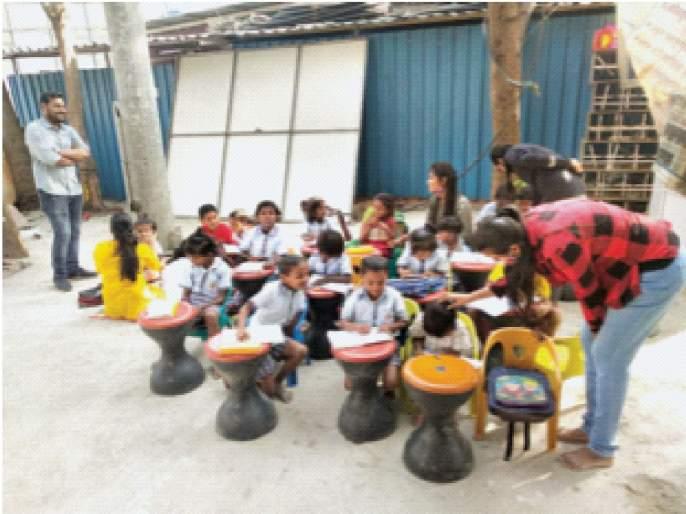 ... and she said, I want to learn too! 'Happy school' fills the streets for them   ...आणि ती म्हणाली,मलाही शिकायचेय! त्यांच्यासाठी रस्त्यावर भरते 'हॅप्पीवाली पाठशाळा'