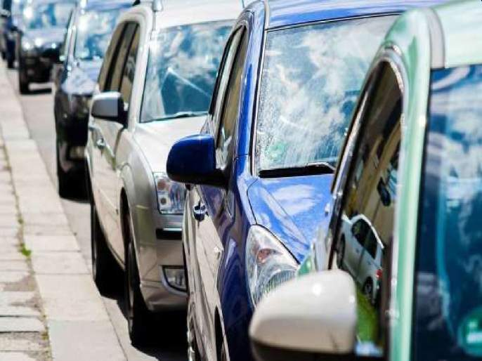 Congestion due to two-way parking in Panvel area; Ignorance of traffic police | पनवेल परिसरात दुतर्फा पार्किंगमुळे कोंडी;वाहतूक पोलिसांचे दुर्लक्ष