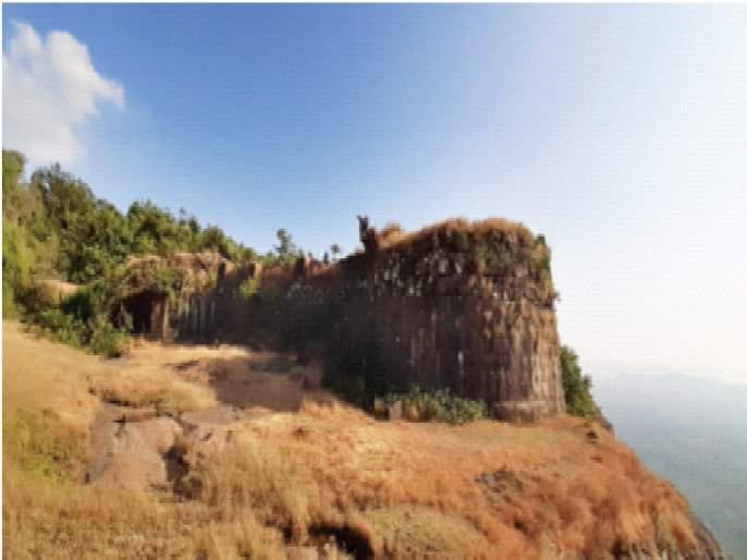Neglect of Sagargad, a witness to historical events; Guardians preserve the heritage | ऐतिहासिक घटनांचा साक्षीदार असणाऱ्या सागरगडाकडे दुर्लक्ष;दुर्गरक्षक जपतात वारसा