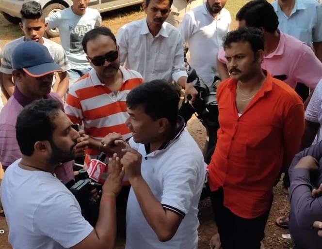Goa Shramik Journalist oppose Shiv Sena Taluka President behavior | दोडामार्ग शिवसेना तालुकाप्रमुखांच्या कृतीचा गोवा श्रमिक पत्रकार संघटनेकडून निषेध