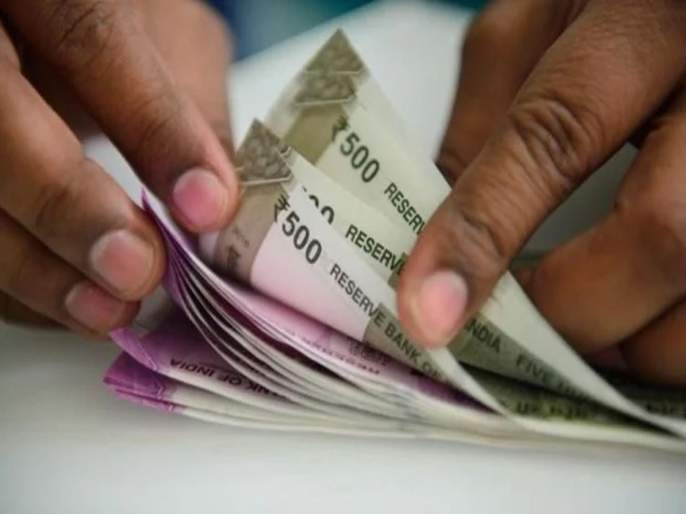 Coronavirus: Central government Slashes Interest Rate For Small Saving Schemes pnm   छोट्या गुंतवणूकदारांना केंद्र सरकारचा मोठा झटका; पीपीएफ, सुकन्या योजनेसह अन्य ठेवींवर व्याजदर घटवले