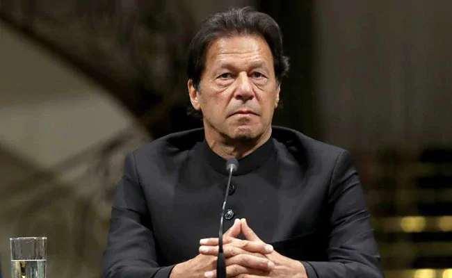 The right of the future to the masses; Imran Khan ready to take consensus in Pak-based Kashmir ... | जनतेला भवितव्याचा अधिकार; पाकव्याप्त काश्मिरात सार्वमत घेण्यास इम्रान खान तयार पण...