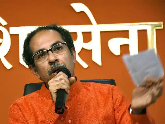 Maharashtra Election, Maharashtra Government: You have promised, not Pawar, Sonia; BJP Target Uddhav Thackeray   महाराष्ट्र निवडणूक 2019: तुम्ही भले वचन दिलं असेल, पवार, सोनियांनी नाही; भाजपाचा उद्धव ठाकरेंना टोला