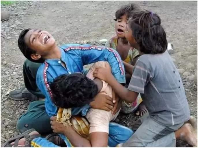 Politics Over Police Barbaric Act With Dalit Farmer At Guna In Mp   निर्दयी! मध्य प्रदेशात पोलिसांनी गरीब शेतकरी दाम्पत्याला बेदम मारलं; लहान मुलांनाही सोडलं नाही
