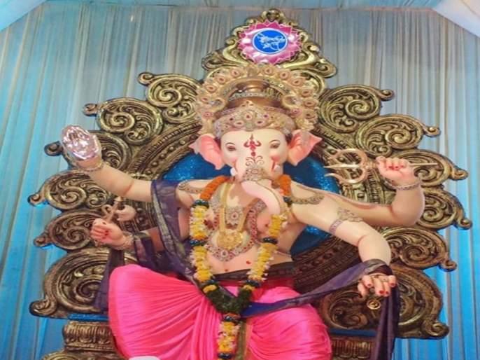 Ganesh Festival 2019: A silver hand from Ganesh devotee to 'Gundavali's Morya' in Andheri | Ganesh Festival 2019 : अंधेरीतील 'गुंदवलीच्या मोरया'ला गणेश भक्ताने दिला चांदीचा हात