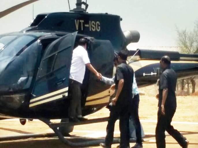 Eknath Khadse will reach Mumbai by helicopter and activists by vehicle to join NCP   एकनाथ खडसे हेलिकॉप्टरनं तर कार्यकर्ते वाहनानं मुंबई गाठणार; पक्षप्रवेश सोहळ्यात शक्तिप्रदर्शन करणार