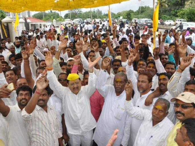 After Maratha, Dhangar will agitate across the state for ST Reservation warn Thackeray Government | उद्धव ठाकरे सरकारची डोकेदुखी वाढणार; मराठापाठोपाठ धनगर समाजही राज्यभर आंदोलन करणार